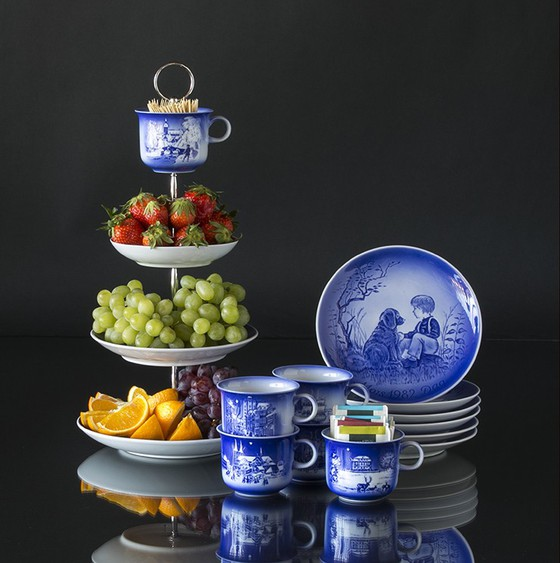 Cake stand of mother's day plates