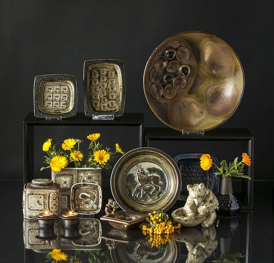 Stoneware and Faience dishes and bowls
